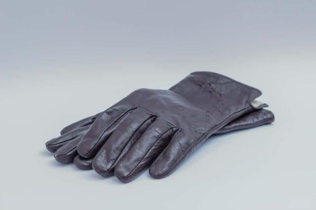 こだわって使用している皮の手袋
