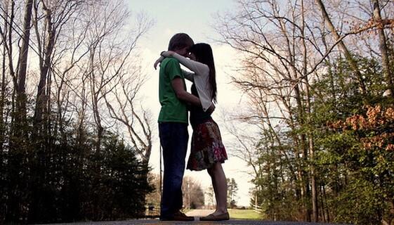 片想いだった女友達を思い続けて念願の相思相愛になりカップル成立