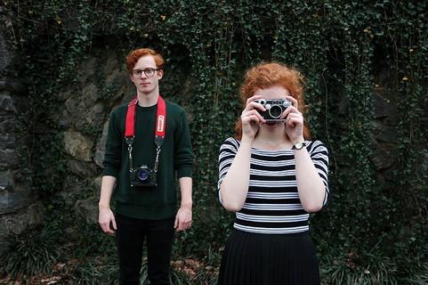 新たな趣味で選んだカメラをきっかけに付き合うことになった二人