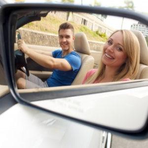 ドライブをきっかけに関係性が急接近する男女