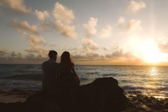 人生初の彼女と海にデートして眺めるサンセットは格別