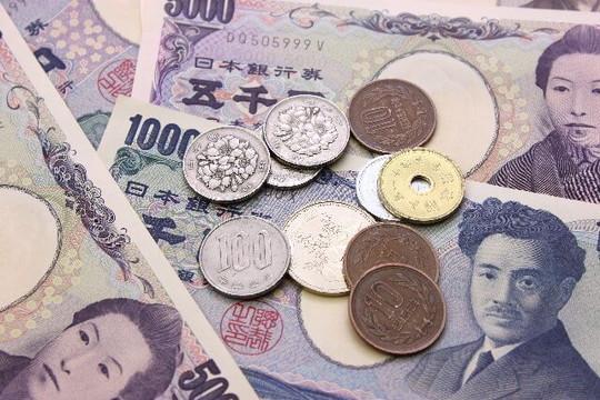 日本のお札と小銭