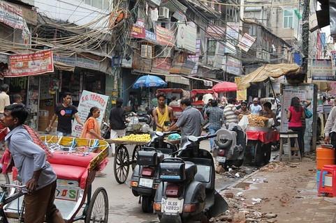 異国感あふれ今にも何かが起こりそうでワクワクするインドのデリーの街中の風景