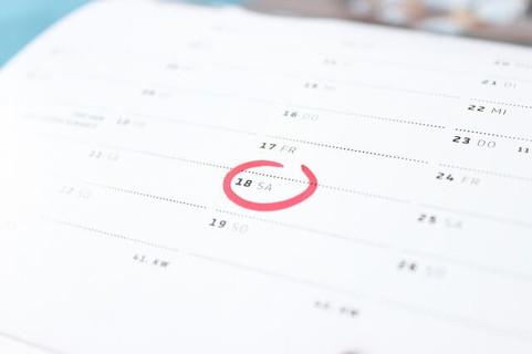 この日までに絶対目標を達成させる!と赤いマルで印を入れたカレンダー