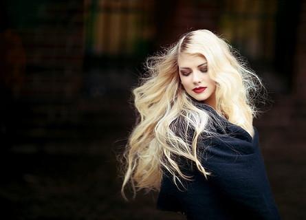 冬場でも美意識が高くモテそうな女性