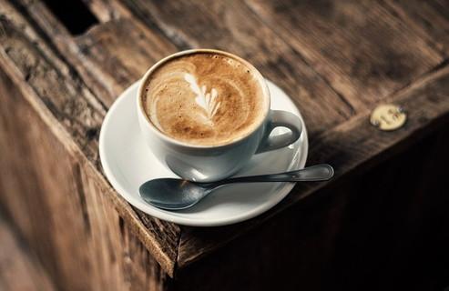 暖かくて美味しそうなだけどカフェインが多く含まれ水分補給には不向きなコーヒー