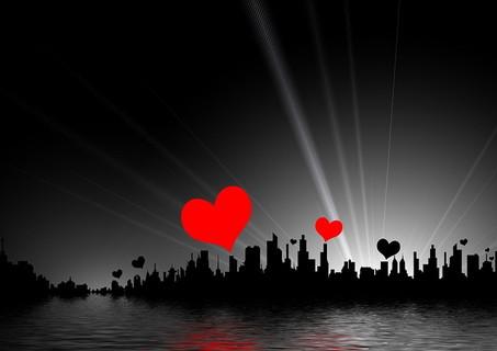 一日の終わりに感謝の気持ちを思い出すことでしっかりリセットして明日を迎えられる恋愛運の高い充実した生活をする男女