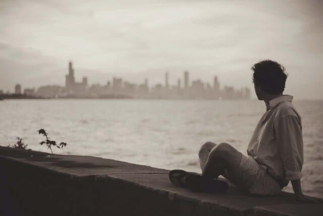 早く会いたくてイライラしてしまい今にも他の人に乗り換えてしまいそうな恋活中の男性