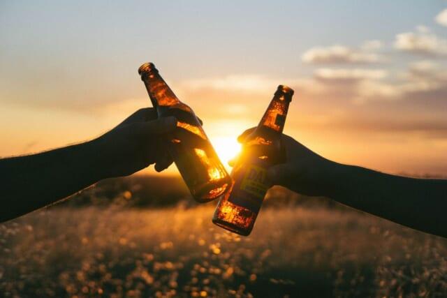 女性と二人きりで飲みに来て誠実な対応をする男性