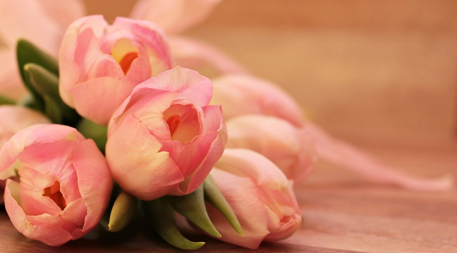一途な彼氏から彼女へ送られた花束