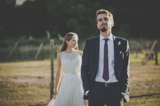 一緒に歩いているところを見せびらかしたい男性と見た目がきれいな女性