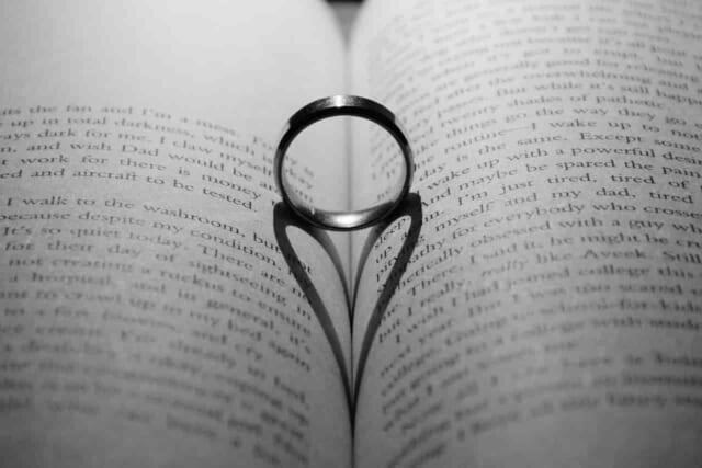 セフレから本命彼女に昇格した女性に送られた指輪