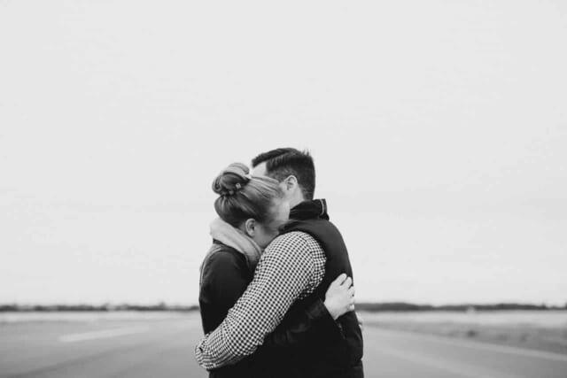 付き合うと刺激よりも信頼関係が重要なA型男性