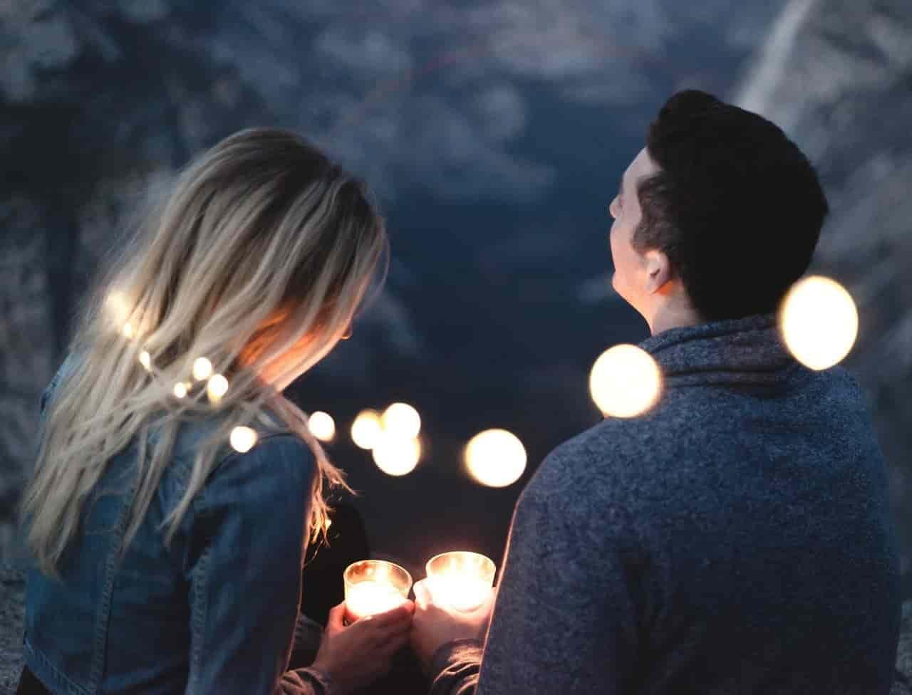 好きだけど恋愛感情かわからないまま付き合う男女のカップル